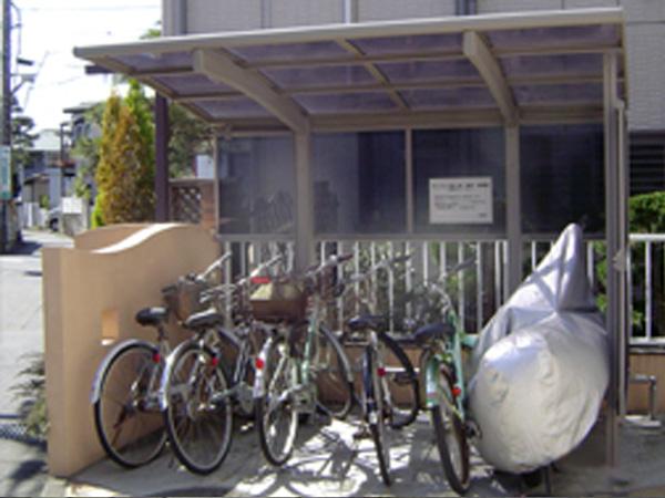 サイクルポートや駐車場
